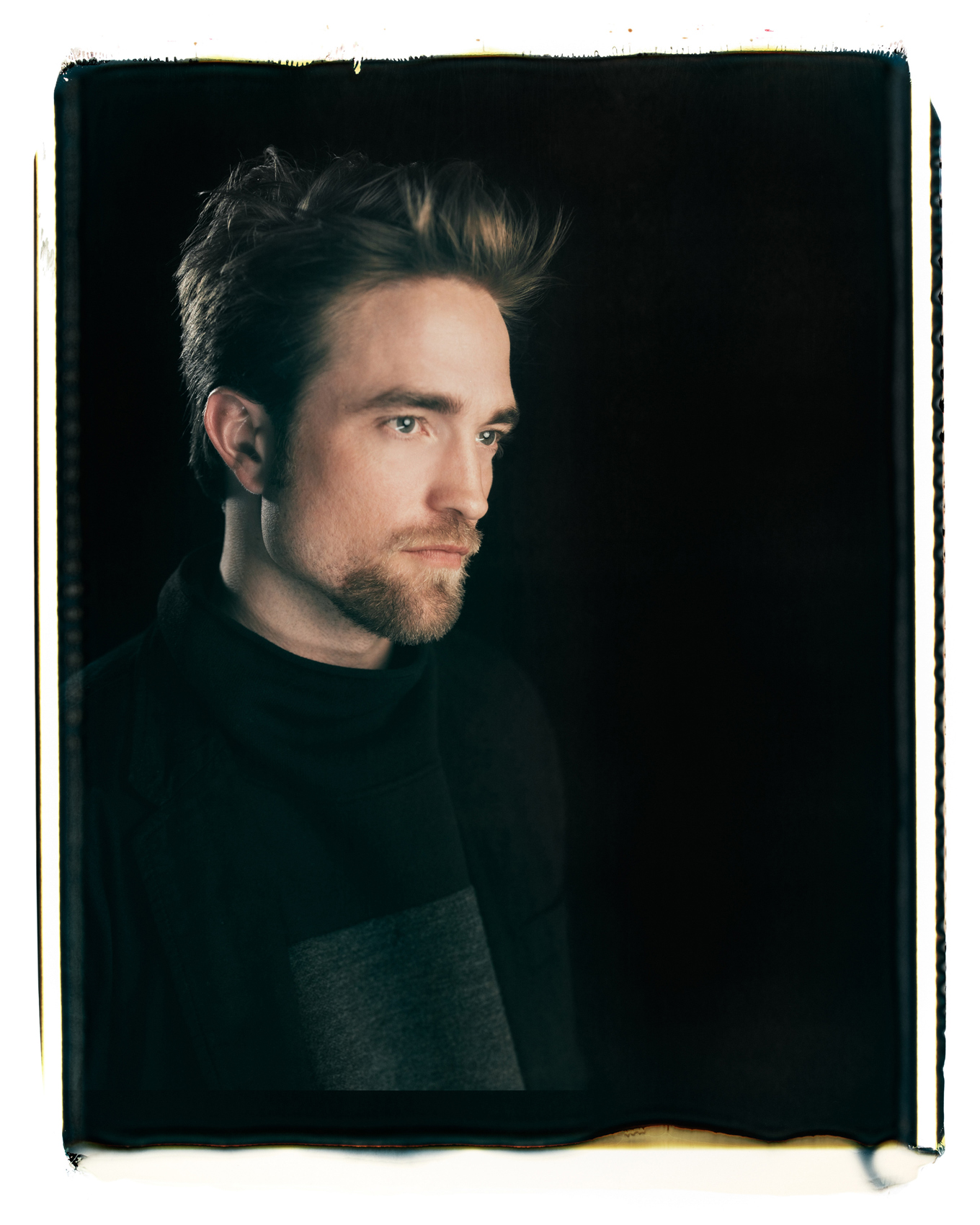 POL-Robert-Pattinson-on-20X24-polaroid-2016--added2020